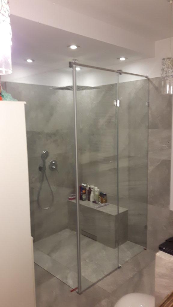 Grodzie i kabiny prysznicowe